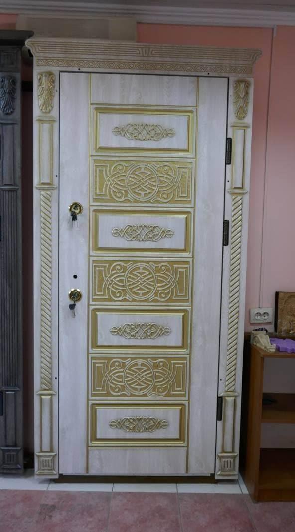 Фото входных дверей серии Броня Плюс