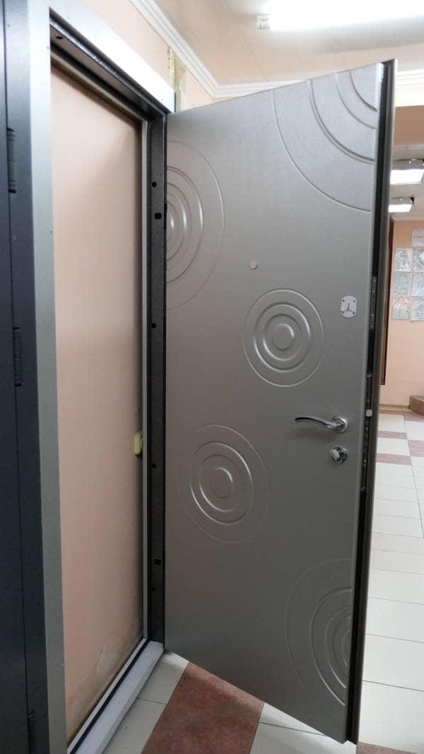 Фото входных дверей серии Стандарт